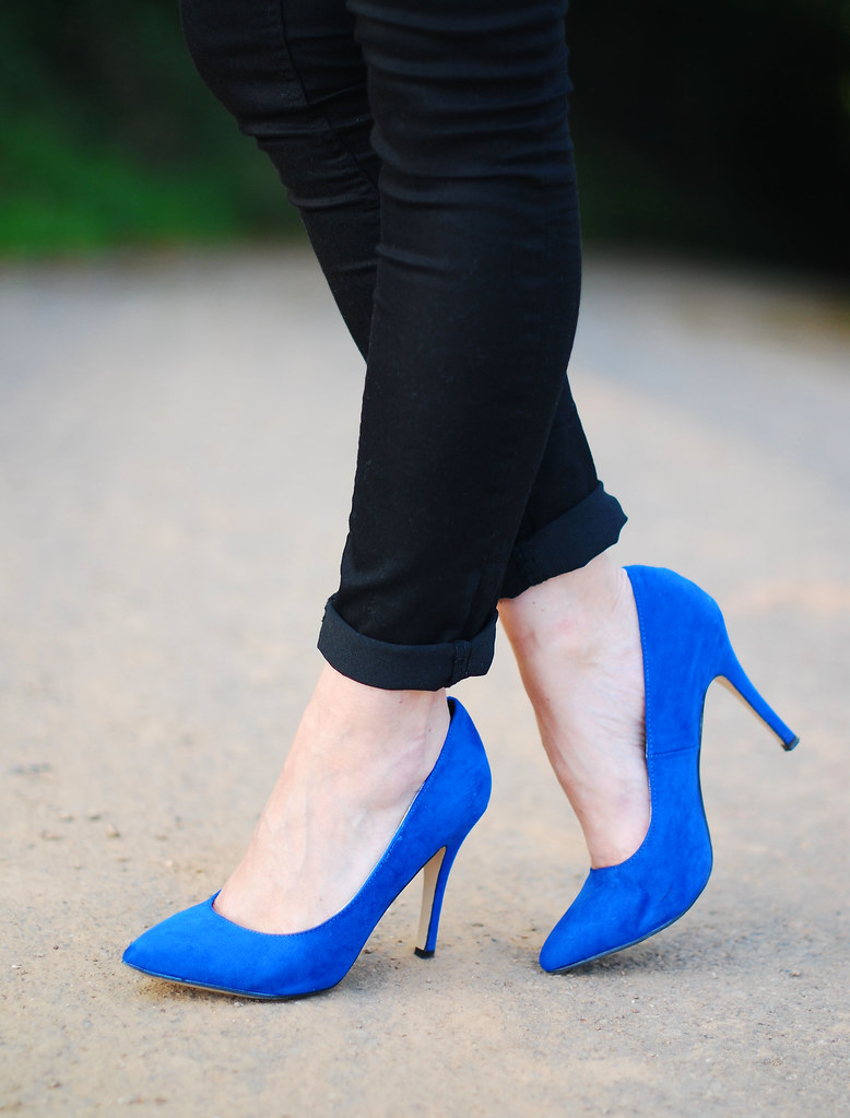 Blue pointed heels & black skinnies