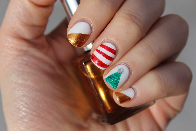 Living After Midnite: Christmas Nail Art