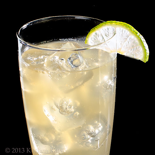 Airmail Cocktail with lime garnish