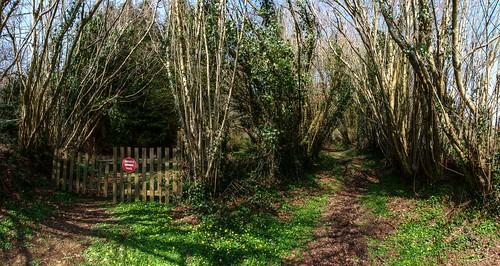 france frankreich brittany gate path bretagne breizh francia hazels restou finistere chapelleneuve lachapelleneuve restougouin
