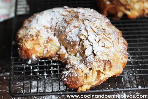 Croisant con almendras www.cocinandoentreolivos (1)