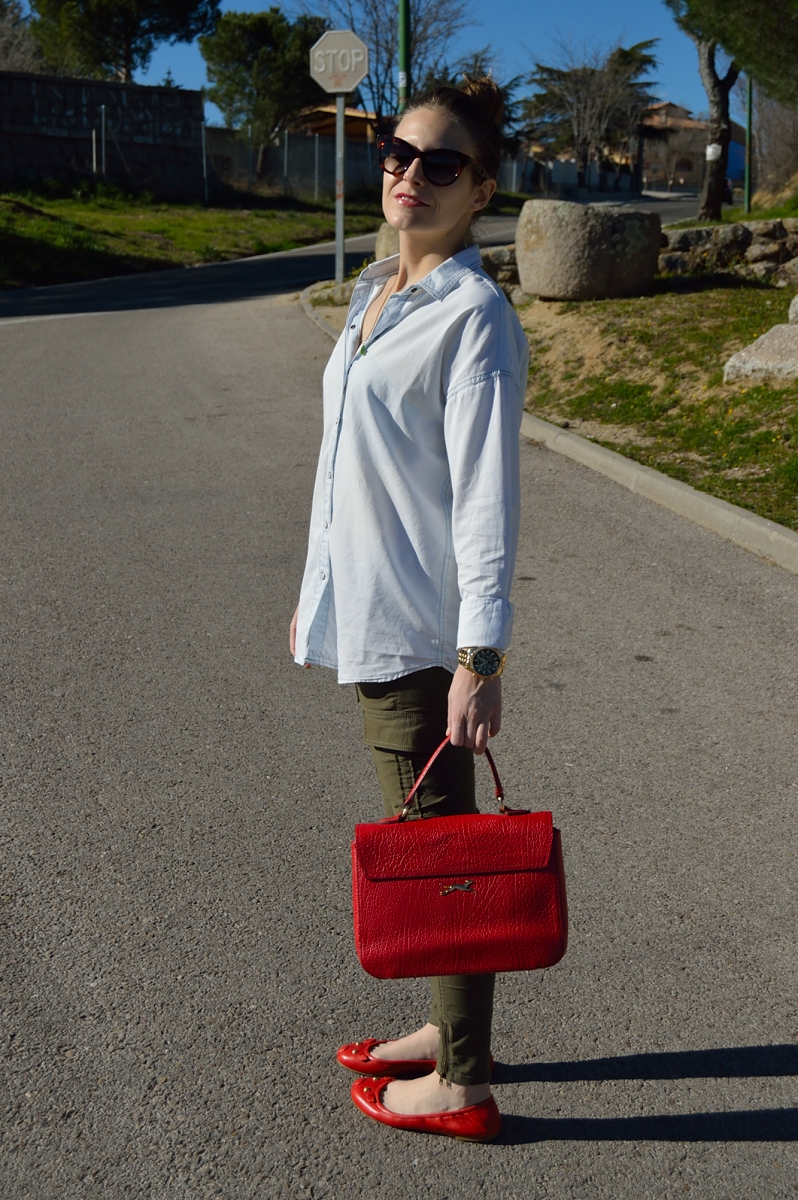 lara-vazquez-madlula-blog-style-spring-inspiration-red-accessories
