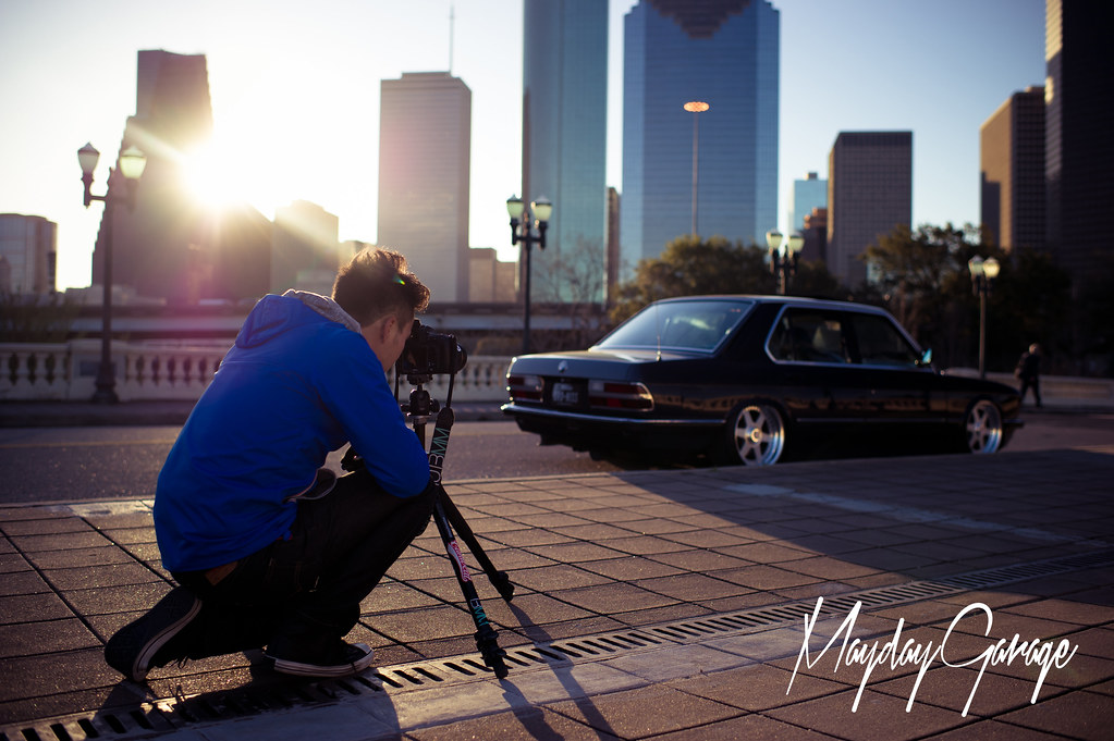 While John works on Rob Amason's E28 with the Downtown backdrop
