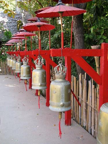 Campanas en Wat Phan Tao