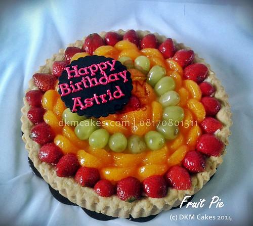 DKM CAKES, dkmcakes, toko kue online jember bondowoso lumajang, toko kue jember, pesan kue jember, jual kue jember, kue ulang tahun jember, pesan kue ulang tahun jember, pesan cake jember, pesan cupcake jember, cake hantaran, cake bertema, cake reguler jember, kursus kue jember, kursus cupcake jember, pesan kue ulang tahun anak jember, pesan kue pernikahan jember, custom design cake jember, wedding cake jember, kue kering jember bondowoso lumajang malang surabaya, DKM Cakes no telp 08170801311 / 27eca716 , fruit pie, pie buah jember