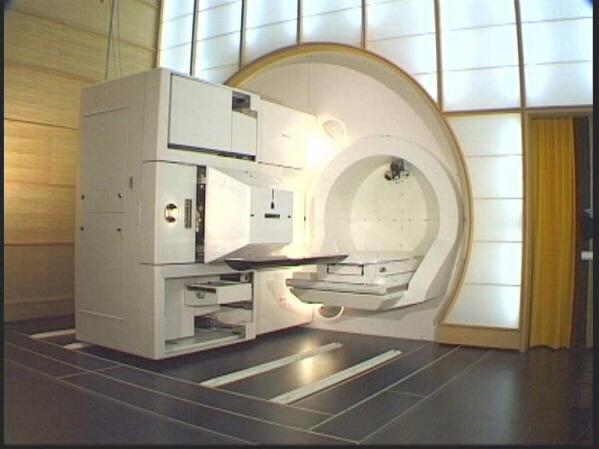 un macchinario utilizzato per la protonterapia