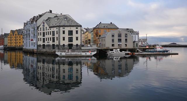 Fra Skansegata over sundet - Ålesund