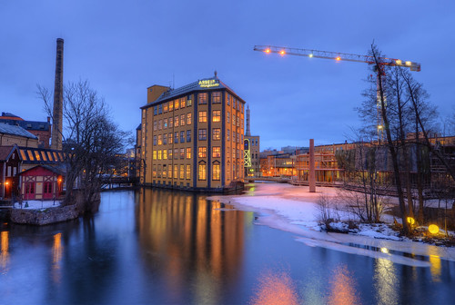 chimney snow history industry ice museum architecture reflections landscape industrial factory exterior sweden dusk historical sverige norrköping hdr waterscape strykjärnet motalaström bergsbron arbetetsmuseum laxholmen norrping