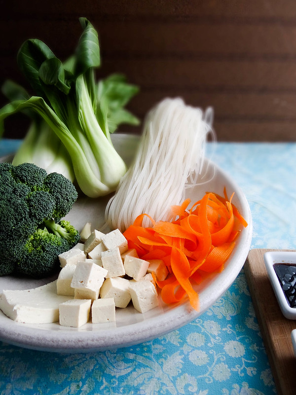 crispy tofu noodle bowl // smbp