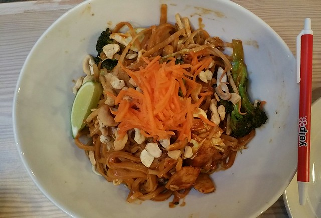 2016-May-21 Meet in Gastown - Noodle-y Thai
