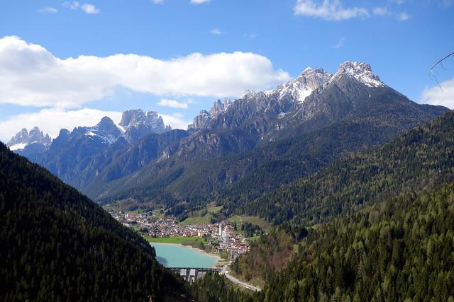 Veduta sulla diga e sul paese di Auronzo dalla strada per Pian di Barco (55)