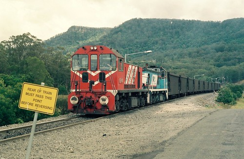 096-27 1991-10-26 D44 and D40 at Wongawilli