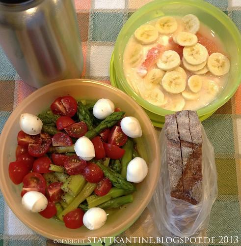Stattkantine 2. Mai 2013 - Spargelsalat mit Büffel-Mozzarella, Krustenbrot