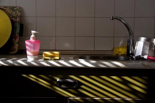 sorpresa en la cocina by atxu