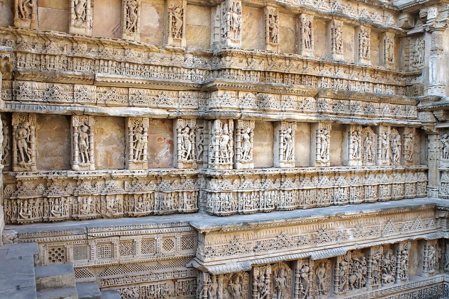 Изумительные барельефы Рани Ки Вав, Патан © Kartzon Dream - авторские путешествия, авторские туры в Индию, тревел фото, тревел видео, фототуры