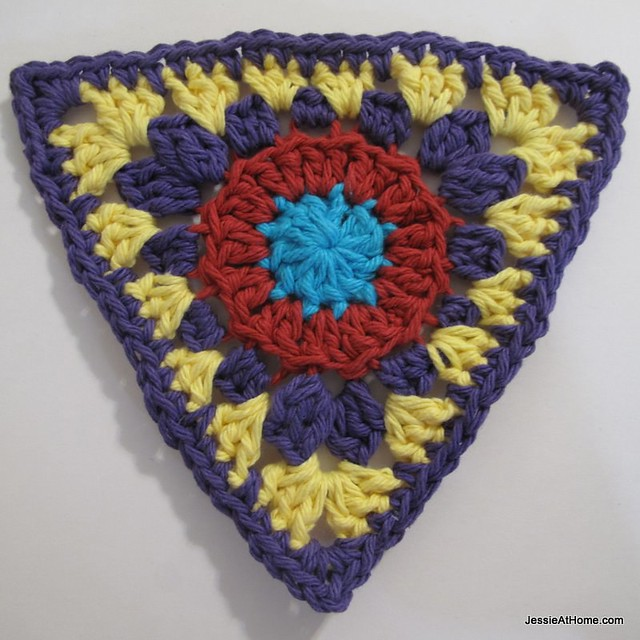circle-to-triangle-bunting-round-five