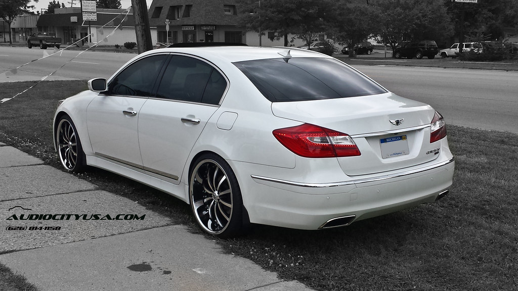 22 Quot Lexani Lss 10 Staggered On 2013 Hyundai Genesis R Spec Sedan