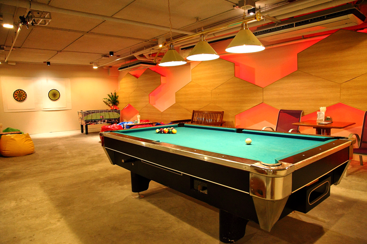 Kee resort Pool-Room