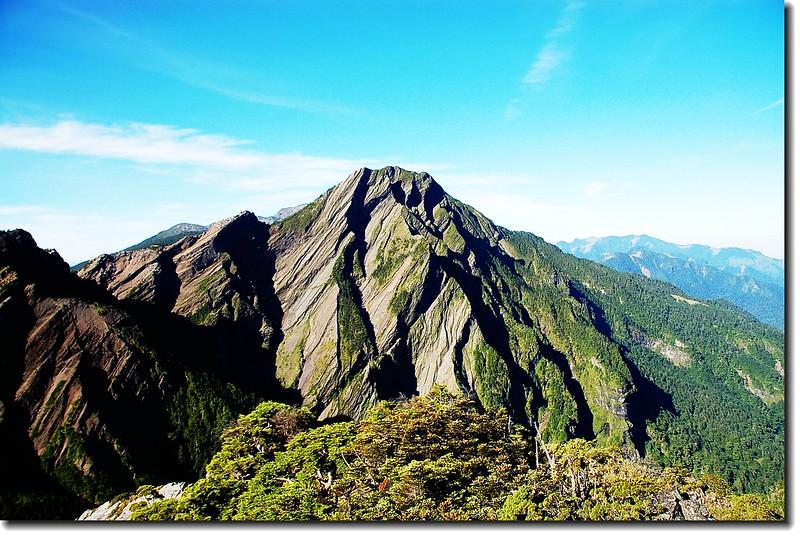 穆特勒布山(From巴紗拉雲山西南眺)