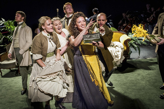 The cast of The Yellow Sofa, Glyndebourne © Robert Workman