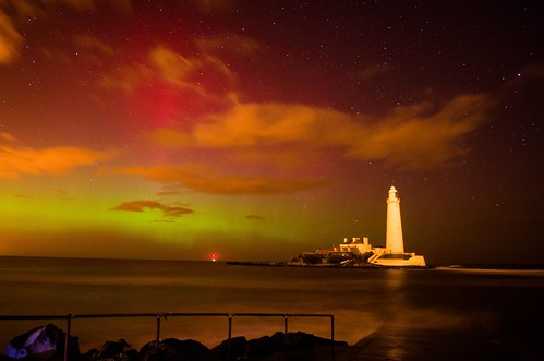 Aurora St Mary's Lighthouse - Whitley Bay by Shannon Robalino