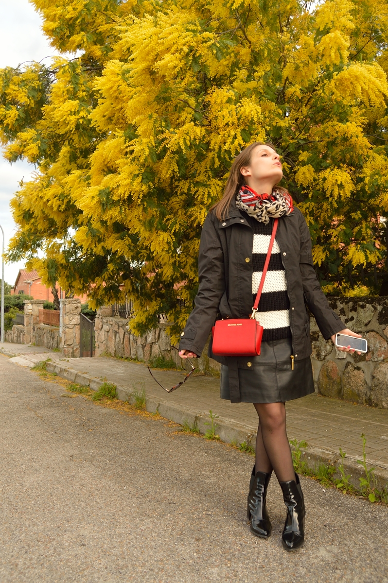 lara-vazquez-madlula-blog-look-red-bag