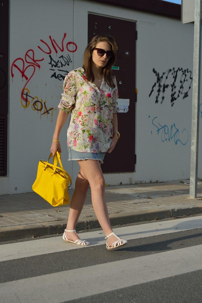 lara-vazquez-madlula-blog-fashion-style-streetstyle-yellow