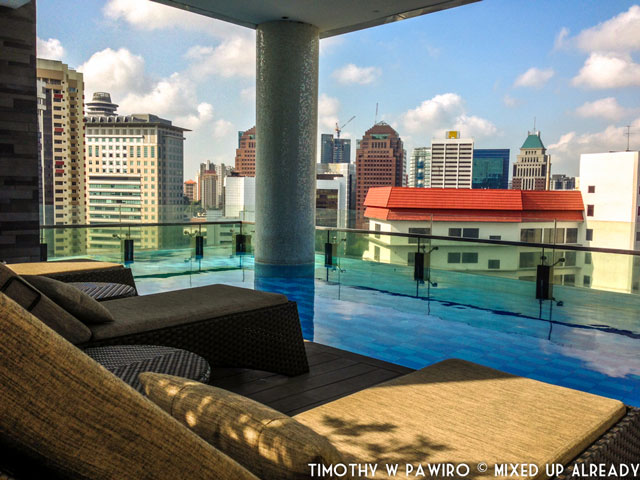 Asia - Singapore - Quincy Hotel - The swimming pool [12th floor] (1)