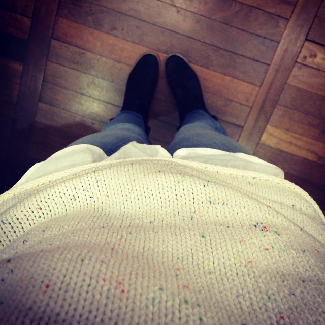 #todayimwearing @uniqlo_uk jumper, denim leggings and my favourite @asos boots. And I'm Paris bound!