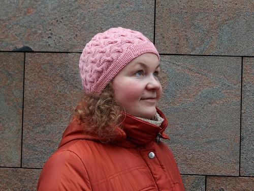 шапка розовая 1