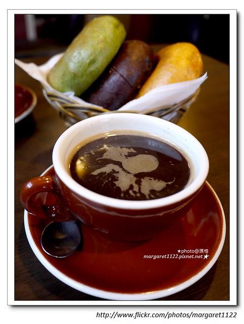 【花蓮】泥巴咖啡。老鼠貝果