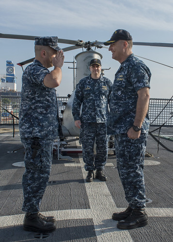USS Fort Worth (LCS 3) Wraps Up First of Three Crew Swaps on Deployment to 7th Fleet