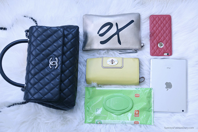 ChanelCocoHandle_WhatsInMyBag_SydneysFashionDiary