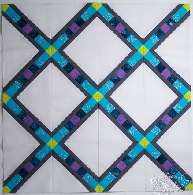 Pixel Lattice - Quilt Top