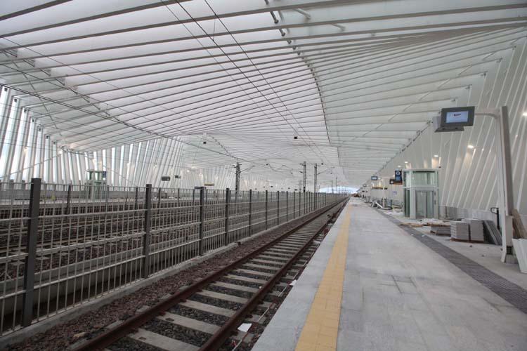 Stazione Mediopadana AV Reggio Emilia (24emilia.com @ Flickr)