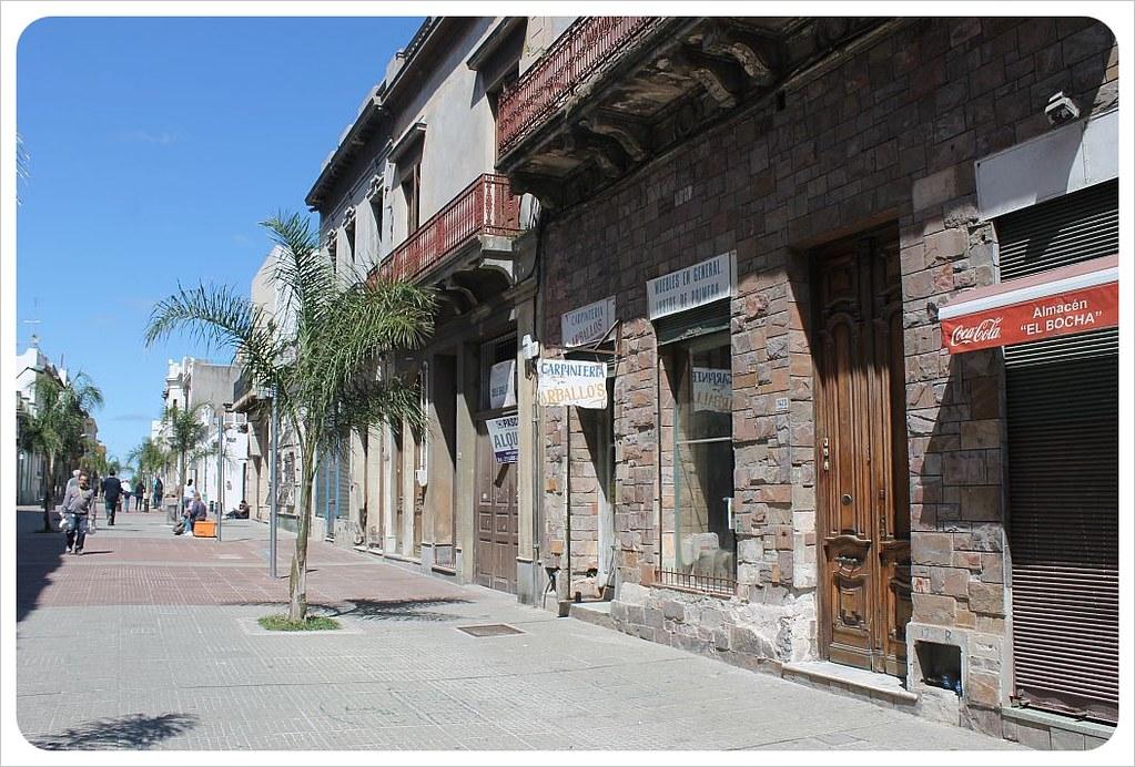 montevideo ciudad vieja street