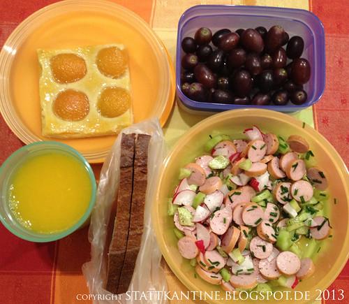 Stattkantine 22. Februar 2013 - Wienerle-Radieserl-Gurken-Salat, Aprikosen-Tarte