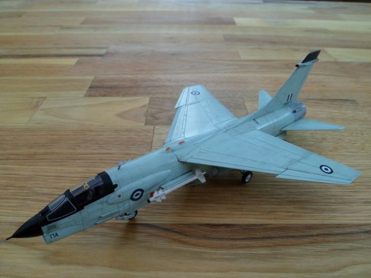 Un géant vert redoutable [Vought F-8 P Crusader Academy 1/72] 9558933044_e7ac726663_o