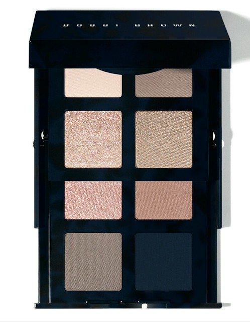 bobbi-brown-navy-and-nude-eye-palette