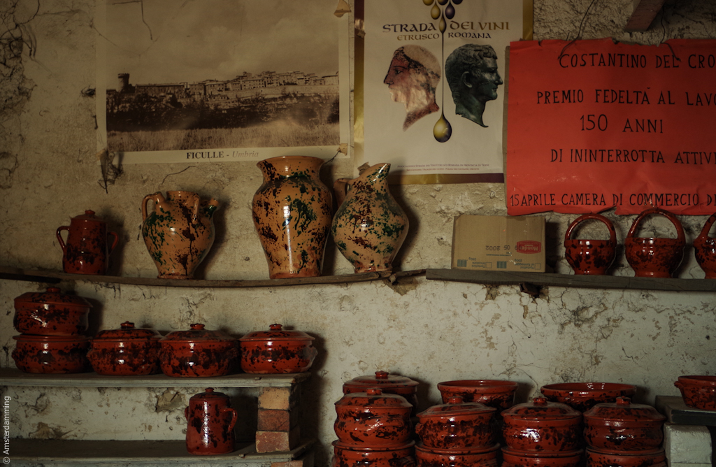 Italy, Ceramics of Ficulle