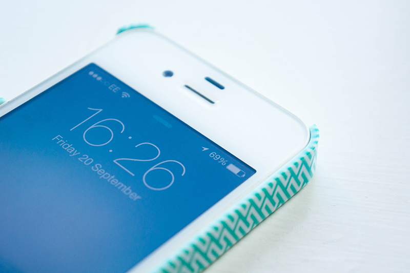 Teal-ightful Kimmy Case Front | www.latenightnonsense.com