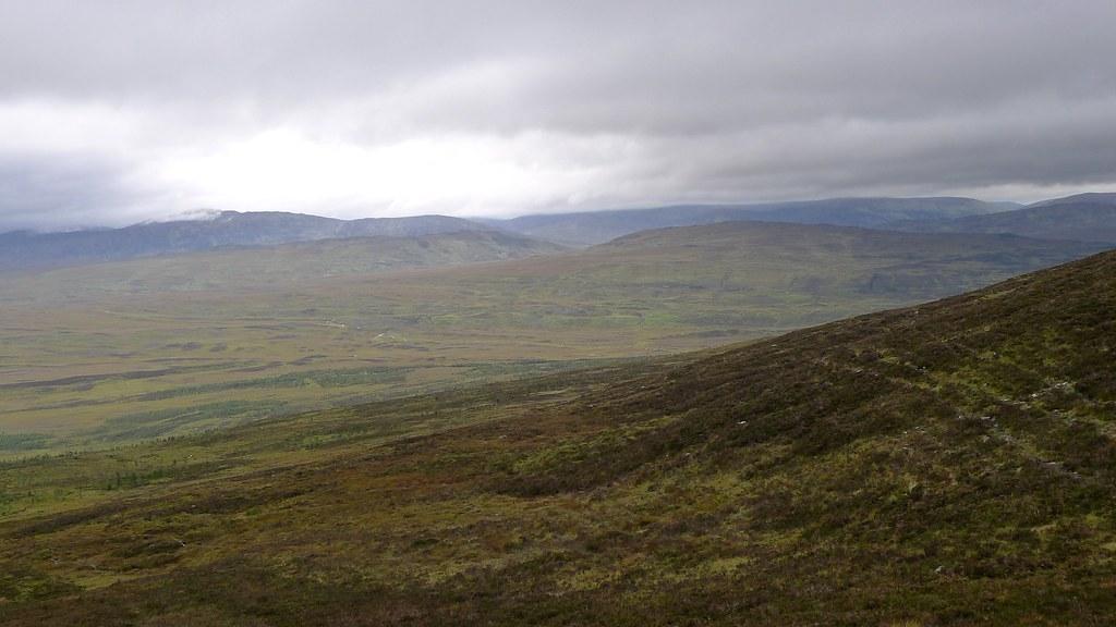 Towards the  the Allt Ruighe nan Saorach