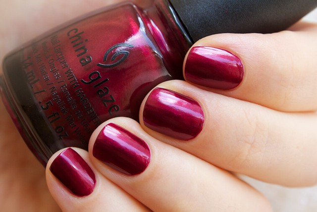 02 China Glaze Autumn Nights Red y & Willing