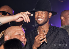 Video Young Jeezy Birthday Bash shuts down Atlanta … Usher , Neyo , Tahiry party with the snowman
