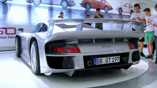 Porsche 911 GT1 Evo (996)