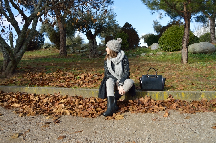 lara-vazquez-madlula-streetstyle-gery-tones-fashion-blog-casual-look