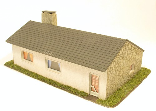 Hornby Bungalow Back