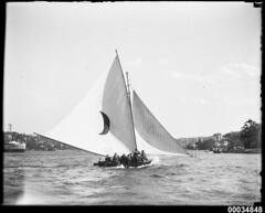 18-footer racing on Sydney Harbour possibly near Clark Island, 1920-1939