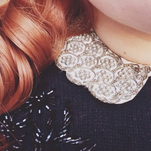 we went vintage shopping yesterday and i bought this victorian collar. it's embroidered and heavy and fragile and i'm just in love with it.