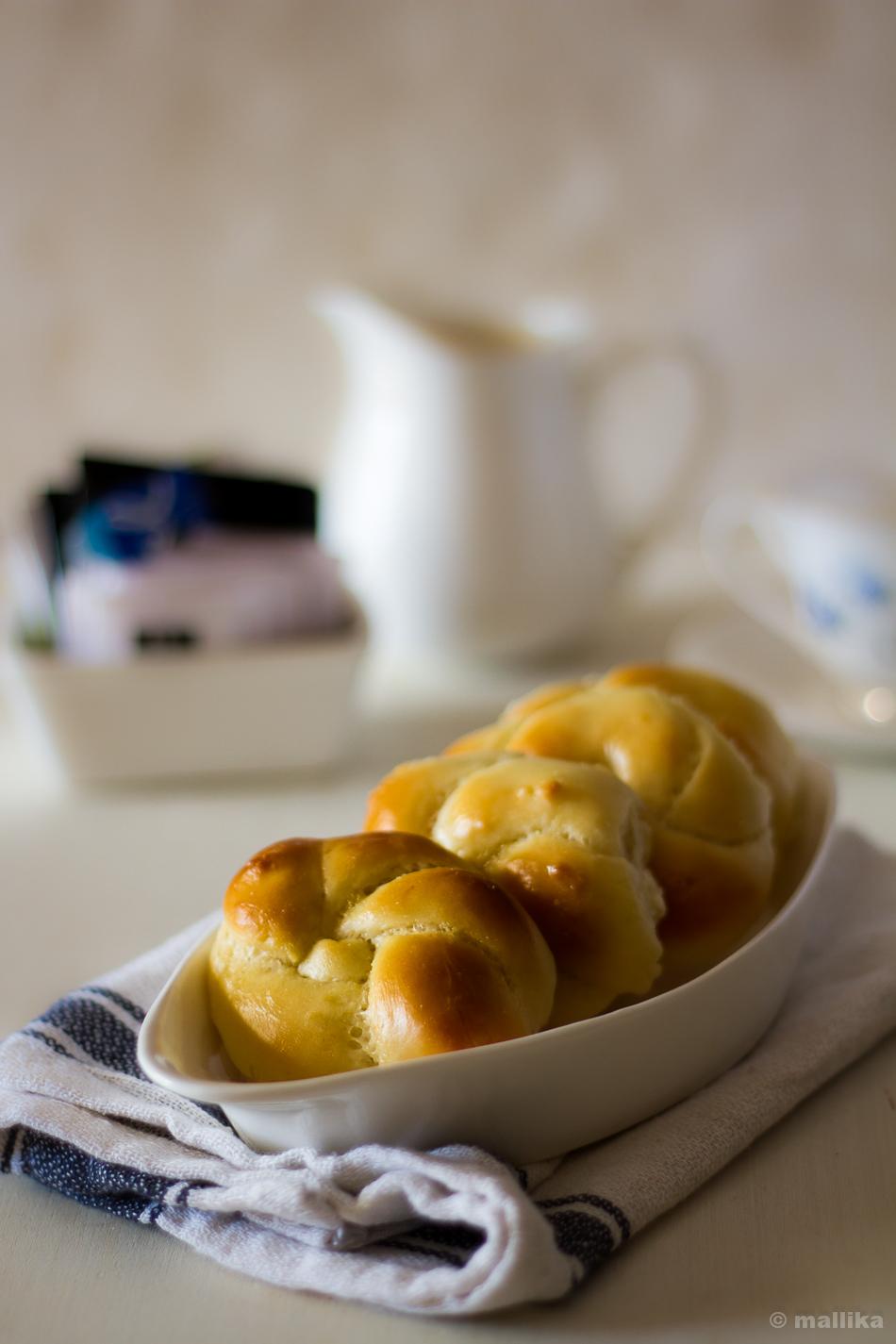 Breakfast Knots